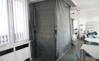 Abschottung für Fensterbrettdemontagen mit Asbestpappen