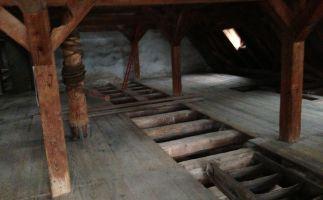 gereinigter Dachbereich einschl. Deckenhohlraum
