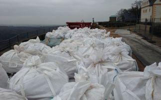 Pak belasteten verpackten Stäube vor Entsorgung