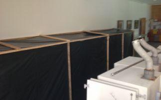 Wandabschottung der verschimmelten Wandbereiche vor Demontagebeginn